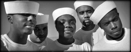 friends_of_port_chicago_national_memorial_sailors_906px_darkedges